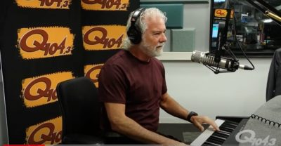 "Chuck Leavell Performs ""Down the Road a Piece"" at Q104.3 Studios"